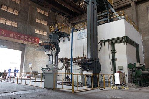 江蘇星火10+7.6噸多功能電渣爐熱試成功